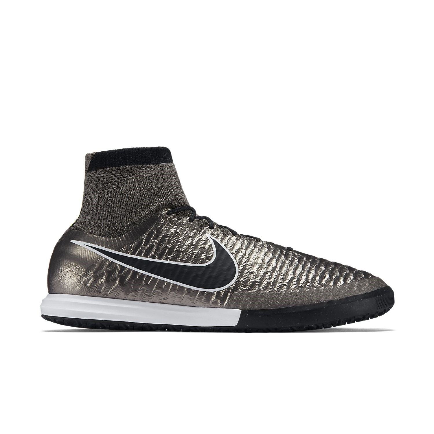 Nike Proximo Indoor Soccer Shoes